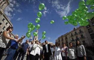 Suelta de globos en Alcoy con motivo del Día Mundial del Alzheimer