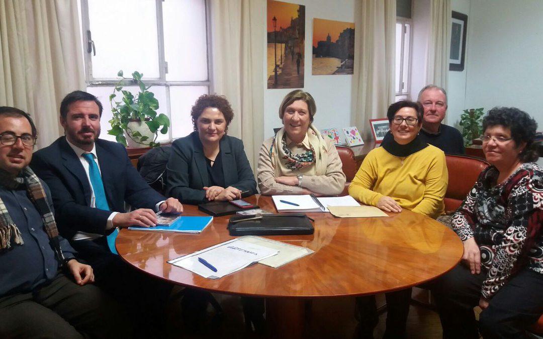 Reunión de trabajo con la Asociación de Enfermedades Raras de Benidorm y Comarca