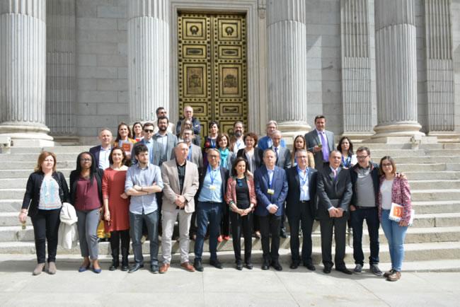 Diputados valencianos recibimos en el Congreso la Comisión por una financiación justa