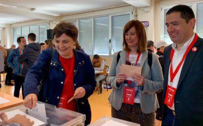"""Votando el 28 de abril """"Haz que pase"""""""